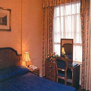 - Kensington Gardens Hotel
