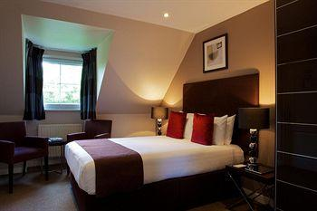 - The Lodge Hotel