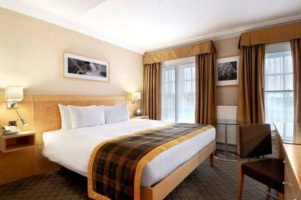 Guestroom - Hilton London Hyde Park