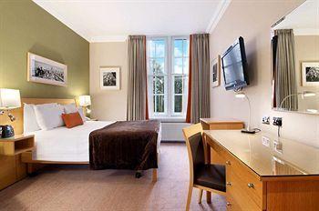 - Hilton London Hyde Park
