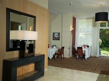 - K&K Hotel George