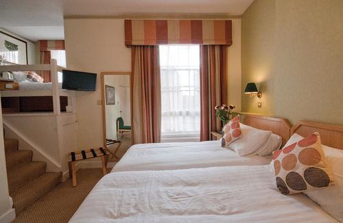 Guestroom - Best Western Phoenix Hotel
