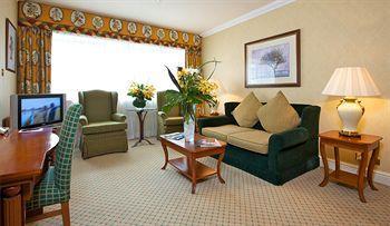 - Kingsway Hall Hotel