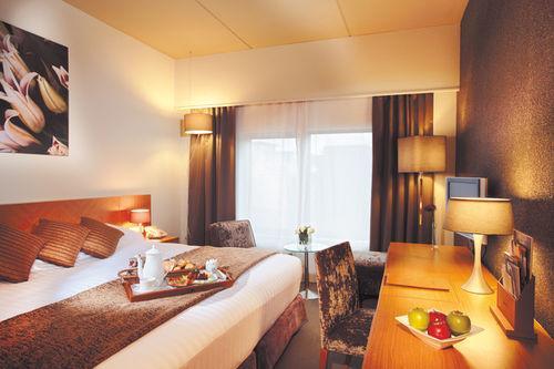 Guestroom - DoubleTree by Hilton London Victoria