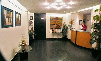 - La Reserve Hotel