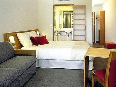 Guestroom - Novotel London City South