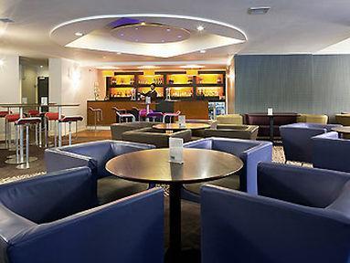 Lobby - Novotel Manchester West