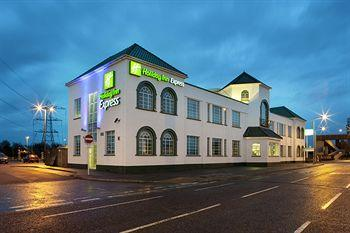 Exterior - Holiday Inn Express London Chingford