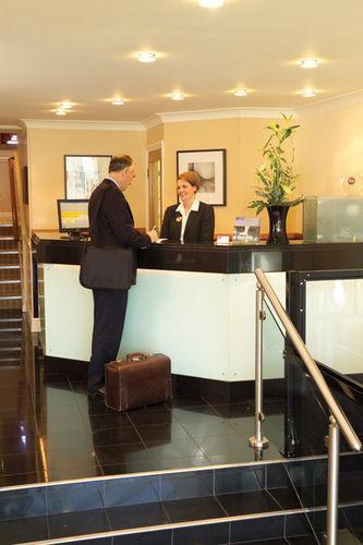Lobby - BW PLUS MILFORD HOTEL