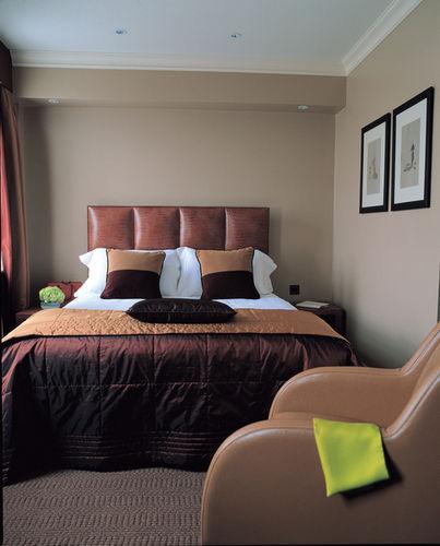 Guestroom - Radisson Blu Edwardian Berkshire Hotel