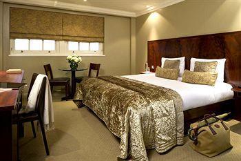 - Radisson Blu Edwardian Grafton Hotel