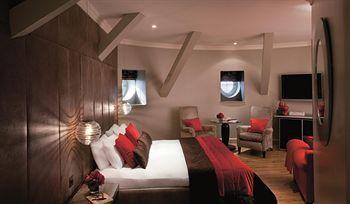 - Radisson Blu Edwardian Bloomsbury Street Hotel