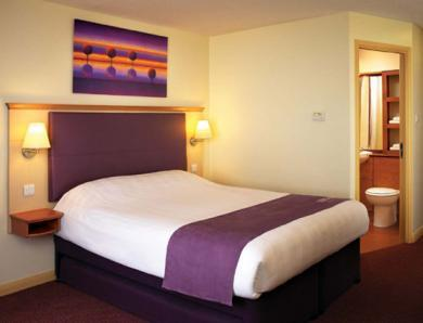 Premier Travel Inn Elstree ** Dbl Reg **