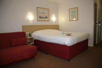 Days Inn Fleet Hotel