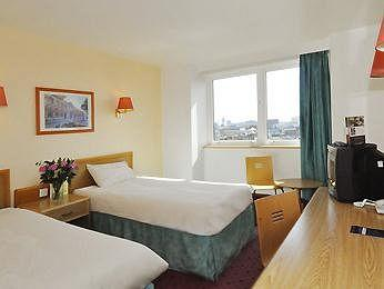 - Ibis London Earls Court