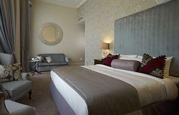 - Park International Hotel