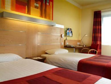 Express By Holiday Inn Park Royal