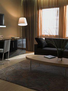 - Radisson Blu Edwardian New Providence Wharf Hotel