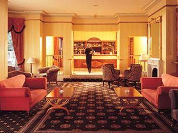 - Cheltenham Park Hotel