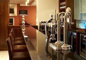 - London Marriott Hotel Regents Park