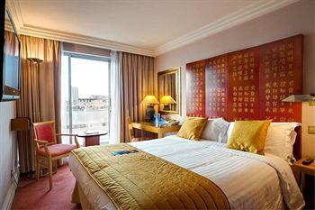 - Radisson Blu Portman Hotel