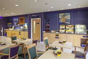 - Holiday Inn Express London - Earl's Court