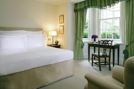 Guestroom - Dukes Hotel
