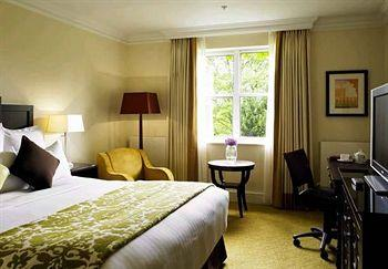 - Bournemouth Highcliff Marriott Hotel