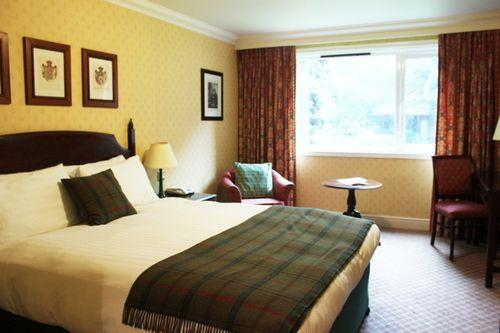 Guestroom - Redwood Hotel and Country Club