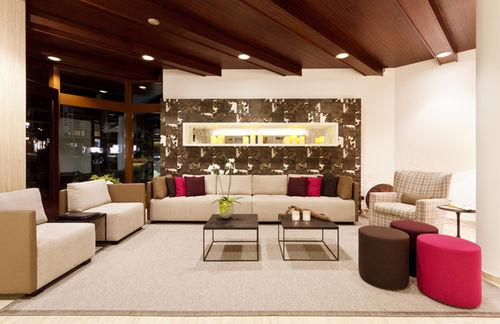 Lobby - Hillingdon Prince Hotel