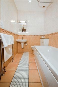 - Hillingdon Prince Hotel