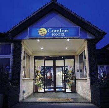 - Comfort Hotel Reading West