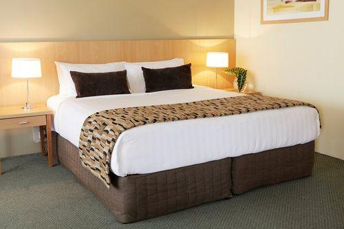 Guestroom - Rydges Plaza Cairns
