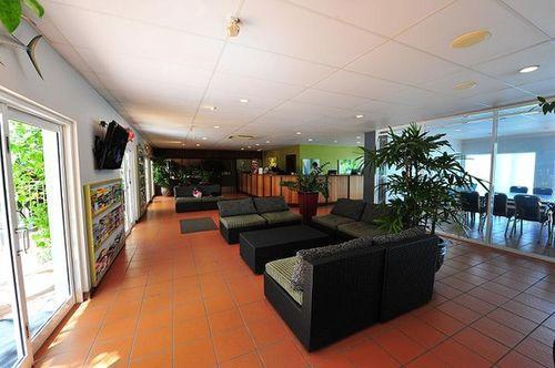 Lobby - Coral Tree Inn