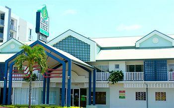 Exterior - Coral Tree Inn