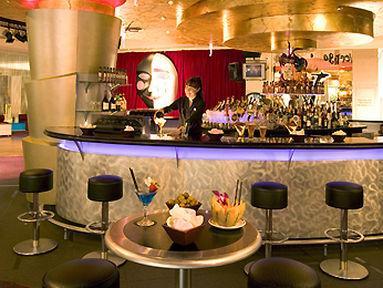 Lobby - Pullman Reef Hotel Casino