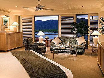 - Pullman Reef Hotel Casino