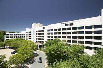 Exterior - Crowne Plaza Canberra
