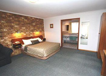 - Comfort Inn Clare Central