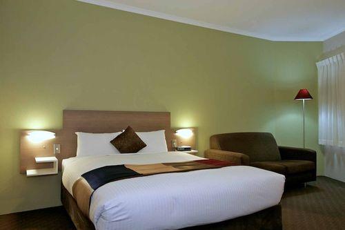 Guestroom - Quality Inn City Centre