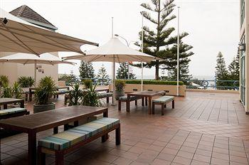 - Crowne Plaza Coogee Beach