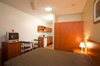 - Vitina Studio Motel