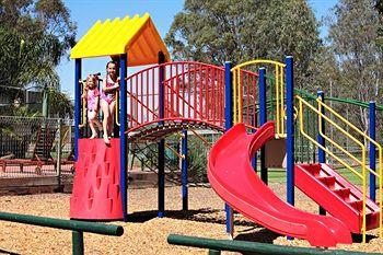 - Yarraby Holiday Park