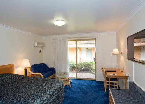 Guestroom - Comfort Inn Bay Of Isles