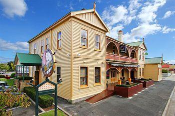 - Comfort Inn The Pier