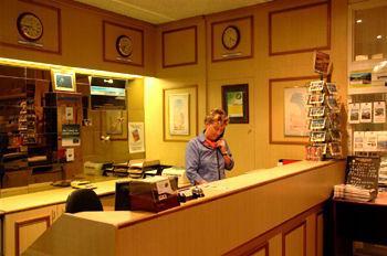 Lobby - Best Western Hospitality Inn Geraldton
