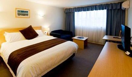 Guestroom - Best Western Balmoral Motor Inn