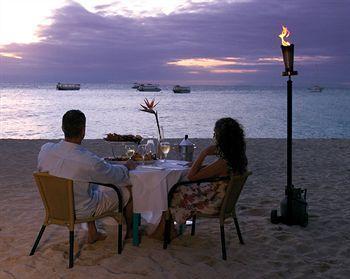 - Green Island Resort