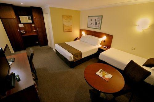 Guestroom - Best Western Hospitality Inn Kalgoorlie