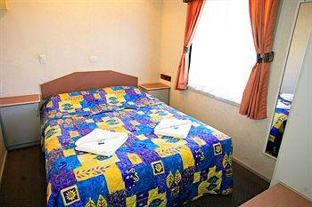 - Golden River Holiday Park